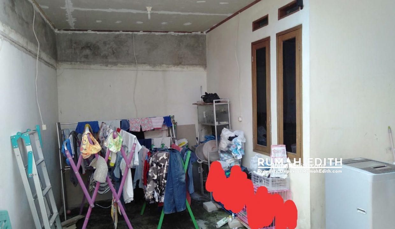rumah edit9h Rumah second dekat akses tol Sawangan 550 jt di Rangkapan Jaya Baru Depok