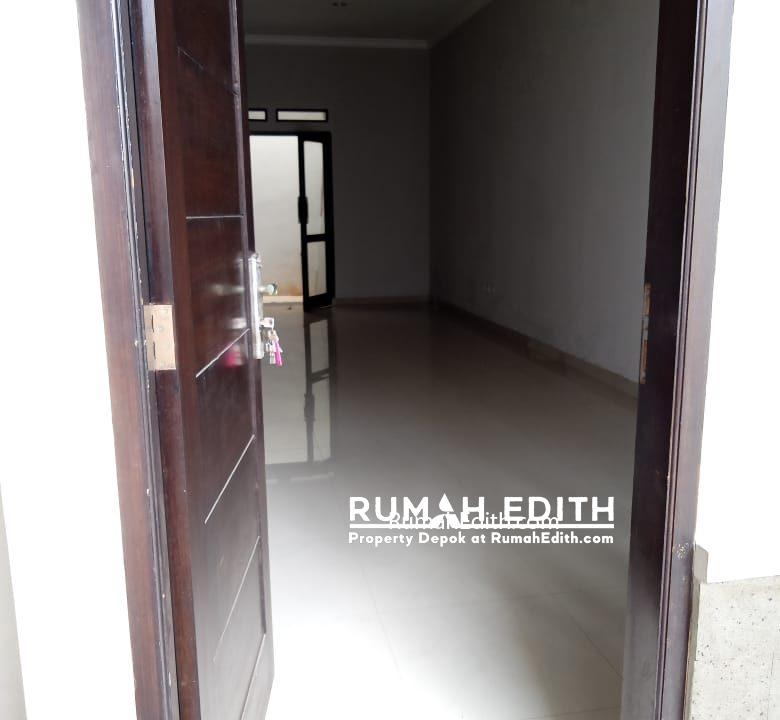 Dijual rumah siap huni 2 lantai 1,6M nego di pinggir jln raya asmawi Beji kukusan 3