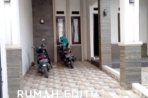 Dijual rumah siap huni 2 lantai 1,6M nego di pinggir jln raya asmawi Beji kukusan 5