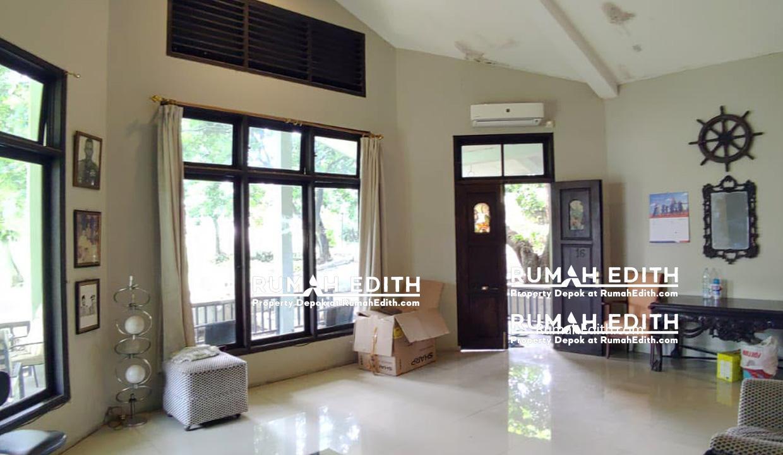 Rumah-Elegan-Unik-Asri-Halaman-Luas-di-Cipedak-Jakarta-Selatan-16-M-rumah-edith-6