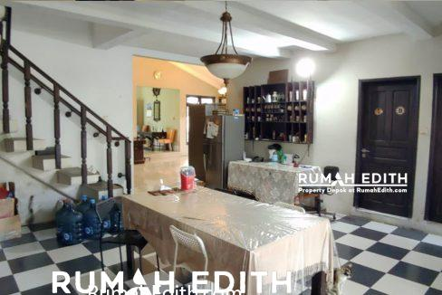 Rumah-Elegan-Unik-Asri-Halaman-Luas-di-Cipedak-Jakarta-Selatan-16-M-rumah-edith-7