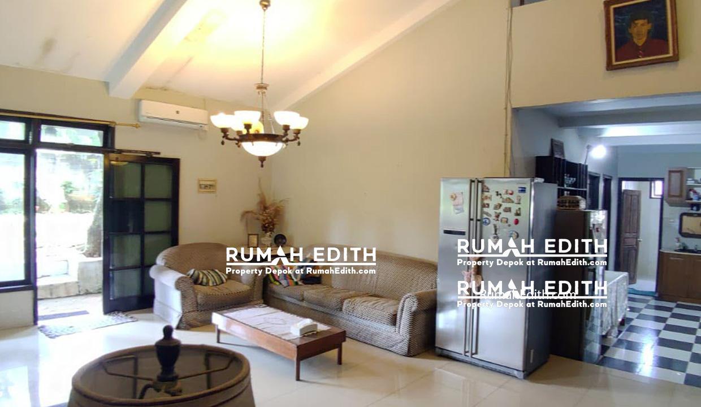 Rumah-Elegan-Unik-Asri-Halaman-Luas-di-Cipedak-Jakarta-Selatan-16-M-rumah-edith-9