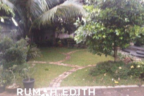Rumah Second asri Luas ada kolam renang 5M di cinangka 2