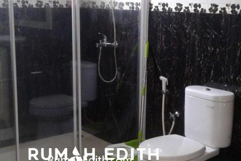 Dijual Rumah Second 2 unit di Limo Depok 17 M dalam 1 area ada kolam renang 12