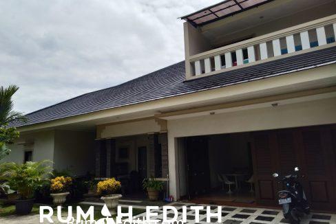 Dijual Rumah Second 2 unit di Limo Depok 17 M dalam 1 area ada kolam renang 15