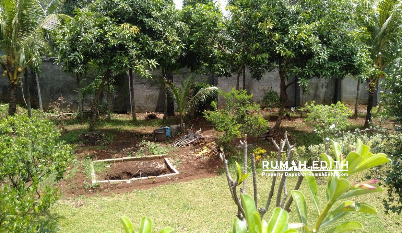 Dijual Rumah Second 2 unit di Limo Depok 17 M dalam 1 area ada kolam renang 20