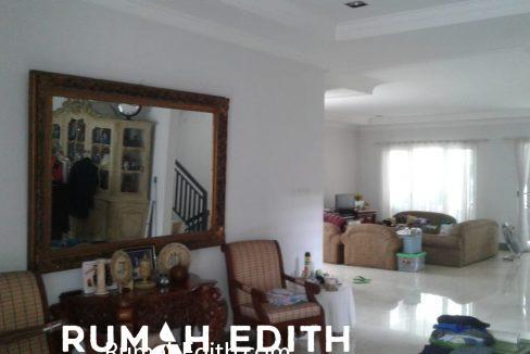 Dijual Rumah Second 2 unit di Limo Depok 17 M dalam 1 area ada kolam renang 8