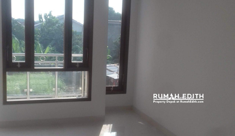 Jual Rumah Di jalan Montong, Jagakarsa Jakarta Selatan. Mewah Murah. 2.4 M rumah edith 1