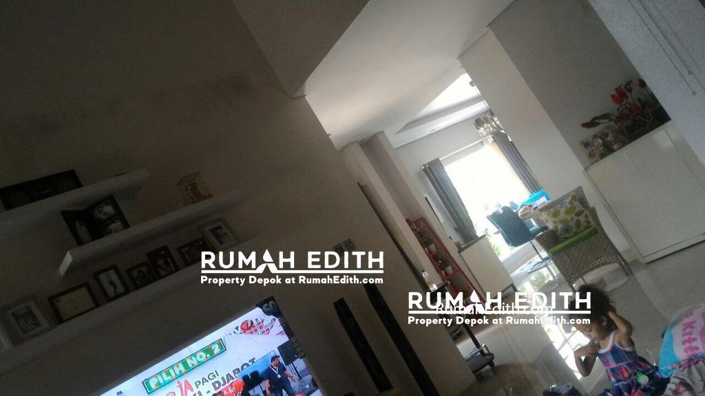 Dijual Rumah cantik di Pondok Karya Tang Sel, 2 lt jual cepat 3,3 M rumah edith 8
