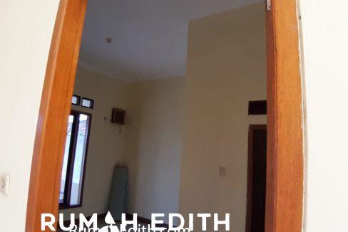 rumah edith - Rumah Cantik 1.5 lantai di Hook Selangkah Stasiun Citayam jalan kaki 1