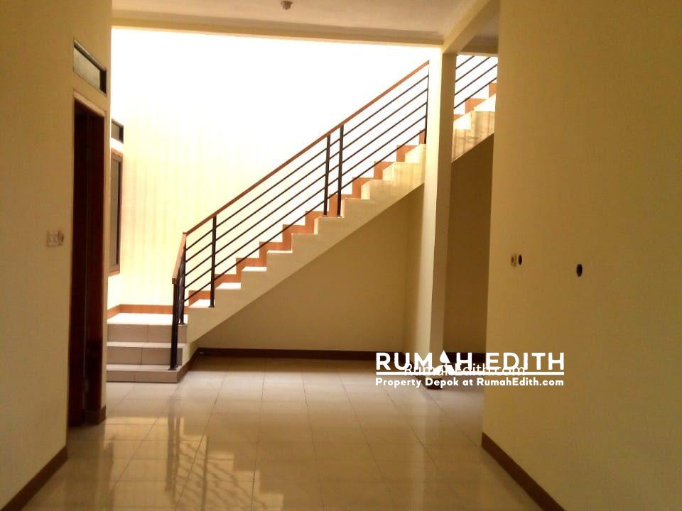 rumah edith - Rumah Cantik 1.5 lantai di Hook Selangkah Stasiun Citayam jalan kaki 5