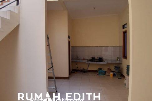rumah edith - Rumah Cantik 1.5 lantai di Hook Selangkah Stasiun Citayam jalan kaki 7