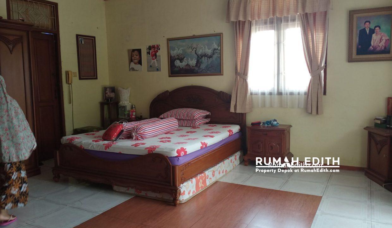 rumah edith - Rumah Mewah 2LT rumah Gadang ala Minang Ada swiming pool 4